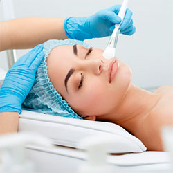 Косметологические процедуры для женщин в Москве
